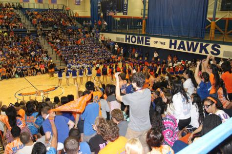 Fall sports assembly brings out HEHS pride