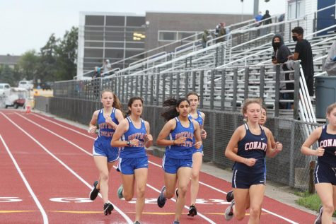 Girls Cross Country: Teamwork makes the dream work